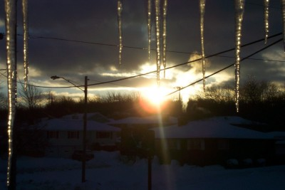 Icicles_in_the_morning